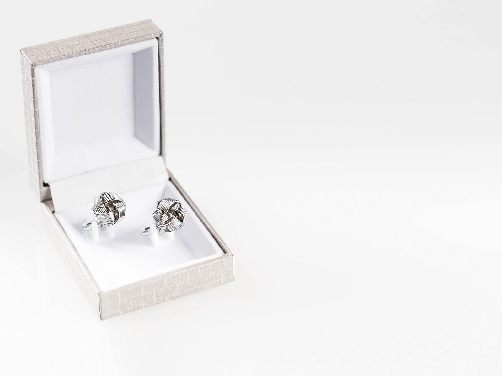 Silver Knot Cufflink